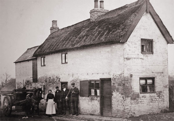 the white cottage which stood at the top of lychgate lane