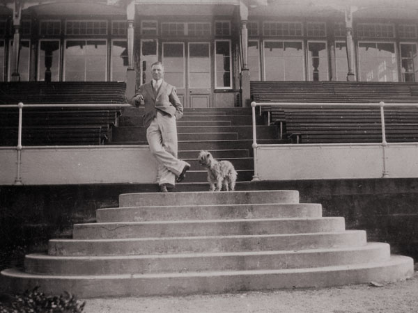Wilfrid on the steps of the Members' Dining photograph and it Room at The Grange, Edinburgh, where he was now in a professional from 1931-1936.