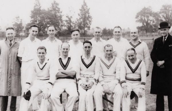 The winning 1945 team.