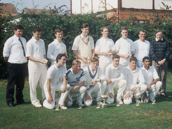 Burbage U18s — winners of the Bevin Minor Knock Out Cup and Ul 8s League Cup winners in 1991