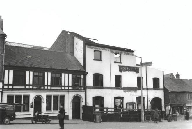 the george inn being demolished in 1959