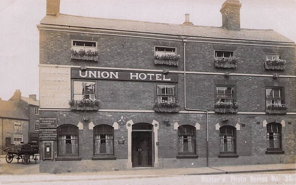 The Union in about 1910 before the rendering of the facade, showing attractive brick detailing over the doorway and ground-floor windows