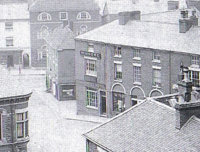 White Hart Inn frontage to Market Place, adjacent to the Town Hall, about 1900