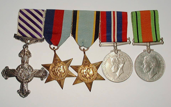 medals of geoffrey rice, distinguished flying cross, 1939-1945 star, air crew europe star, war medal, defence medal